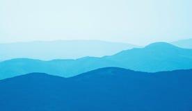 Silhuetas das montanhas Fotografia de Stock Royalty Free