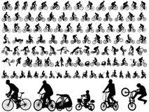Silhuetas de alta qualidade dos ciclistas Fotos de Stock