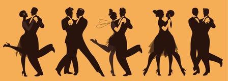 Silhuetas de cinco pares que vestem a roupa ao estilo dos anos 20 que dançam a música retro ilustração royalty free