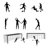 Silhuetas de jogadores e de árbitro de futebol Fotos de Stock Royalty Free