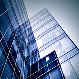 Silhuetas de vidro modernas dos arranha-céus Fotografia de Stock Royalty Free