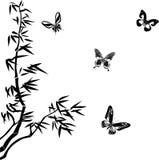Silhuetas do bambu e das borboletas Imagem de Stock Royalty Free