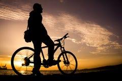 Silhuetas do ciclismo Foto de Stock Royalty Free