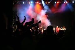 Silhuetas no concerto da música Imagens de Stock Royalty Free
