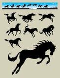 Silhuetas running 2 do cavalo Imagens de Stock Royalty Free