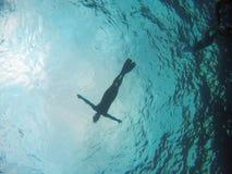 Silhuette de un hombre en la superficie del submarino Fotos de archivo