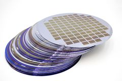 Free Silicon Wafers Of Different Color In Stock Royalty Free Stock Photography - 147005187