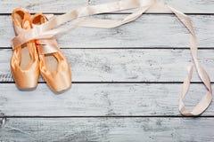 Silk ботинки балета с лентами Стоковые Изображения RF