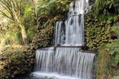 Silkeslen vattenfall Arkivfoto
