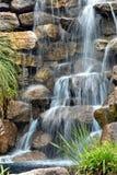 Silkeslen vattenfall Arkivbilder