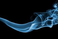 Silkeslena abstrakt blått röker Royaltyfri Fotografi