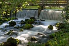 Silkeslent vatten fotografering för bildbyråer