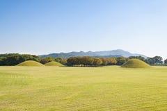 Silla τάφοι σε Gyeongju Στοκ Φωτογραφίες