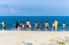 Silla de cubierta en la playa en Brighton Fotografía de archivo libre de regalías