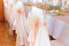 Silla de la boda con la cinta Foto de archivo