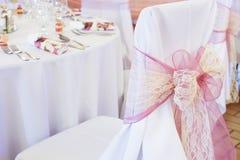 Silla de la boda con la cinta Imagen de archivo