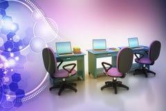 Silla de la oficina y tabla del ordenador Fotos de archivo