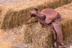 Silla de montar de cuero del vaquero fotos de archivo