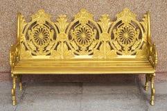Silla de oro en templo Imagen de archivo
