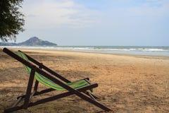 Silla de playa en la playa Imágenes de archivo libres de regalías