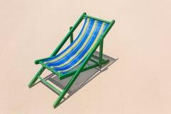 Silla de playa en la playa hermosa Foto de archivo