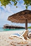 Silla de playa en Maldives fotografía de archivo