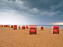 Silla de playa encapuchada Foto de archivo libre de regalías