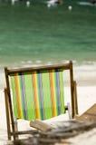 Silla de playa vacía Fotos de archivo