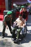 Silla de ruedas para el veterano de guerra fotos de archivo libres de regalías