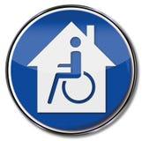 Silla de ruedas y casa accesible perjudicada stock de ilustración