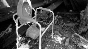 Silla vieja del retrete Fotos de archivo