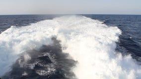Sillage dans l'océan banque de vidéos