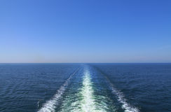 Sillage de bateau d'océan Photo stock