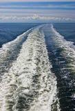 Sillage de bateaux Photos libres de droits