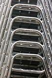 Sillas apiladas aluminio Imagenes de archivo
