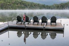 Sillas de Adirondack del lago heart Imagen de archivo libre de regalías