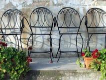 Sillas de jardín 2 Imágenes de archivo libres de regalías