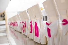 Sillas de la boda de la recepción Fotos de archivo