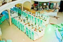 Sillas de la boda en un restaurante Foto de archivo
