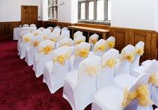Sillas de la ceremonia de boda Imagen de archivo libre de regalías