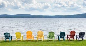 Sillas de la orilla del lago foto de archivo libre de regalías