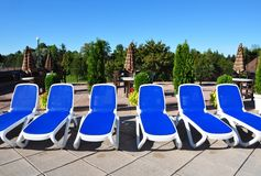 Sillas de la piscina Imagenes de archivo