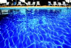 Sillas de la piscina y del sol Imagen de archivo