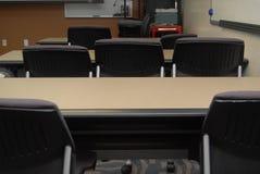 Sillas de la sala de clase imagen de archivo