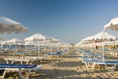 Sillas de playa Imágenes de archivo libres de regalías