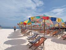 Sillas de playa coloridas Fotografía de archivo libre de regalías