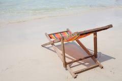 Sillas de playa de madera imagen de archivo libre de regalías