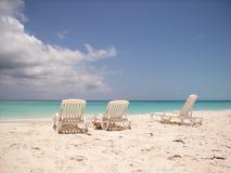 Sillas de playa del Caribe Imagenes de archivo