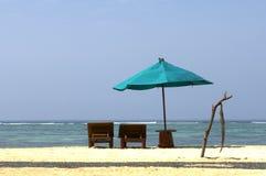 Sillas de playa en Indonesia Fotografía de archivo