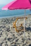 Sillas de playa en la orilla del mar Fotografía de archivo libre de regalías